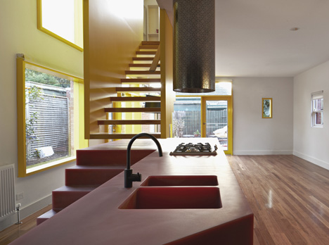 dezeen_Queen-Street-House-by-Edwards-Moore_2