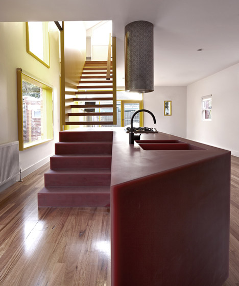 dezeen_Queen-Street-House-by-Edwards-Moore_3