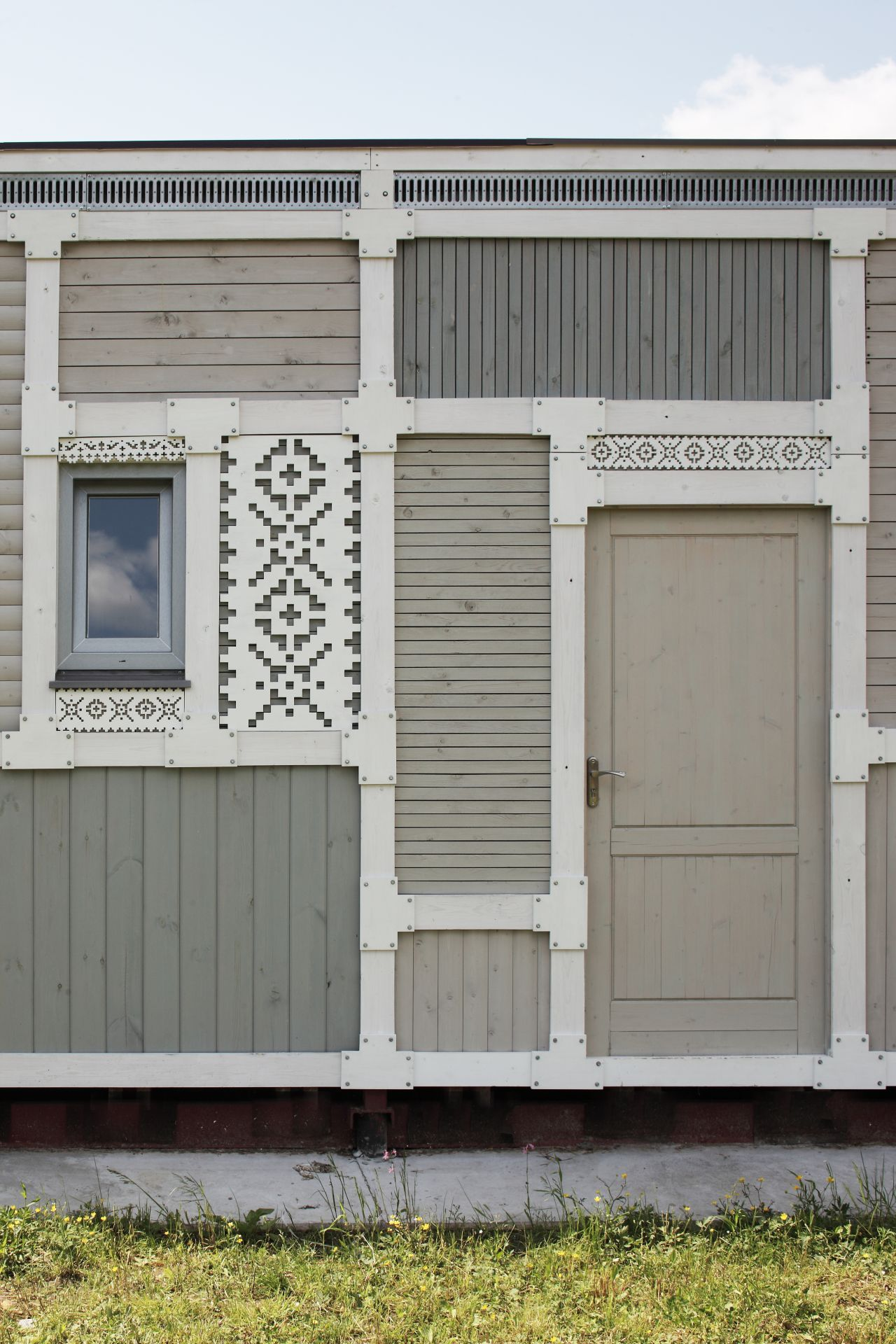 51ef0de6e8e44e94e50000ab_deco-pattern-house-peter-kostelov_kostelov_deco_pattern_facade_015