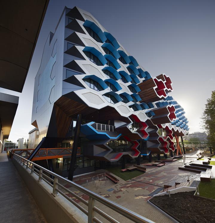 LIMS_La Trobe Institute for Molecular Science_La Trobe University_Lyons_Architects_Melbourne_Australia_Architecture_Architectural Photography_Architectural Photographer_Nils Koenning_01