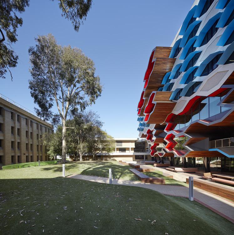 LIMS_La Trobe Institute for Molecular Science_La Trobe University_Lyons_Architects_Melbourne_Australia_Architecture_Architectural Photography_Architectural Photographer_Nils Koenning_04