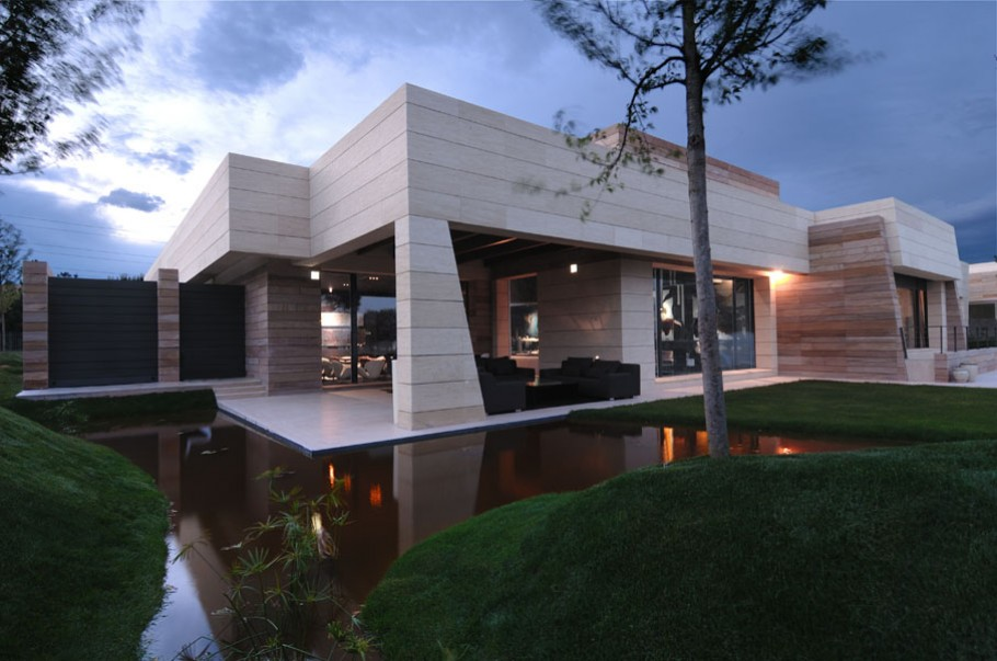 Luxury-Spanish-Property-by-A-Cero-Architects-1-e1279712972598
