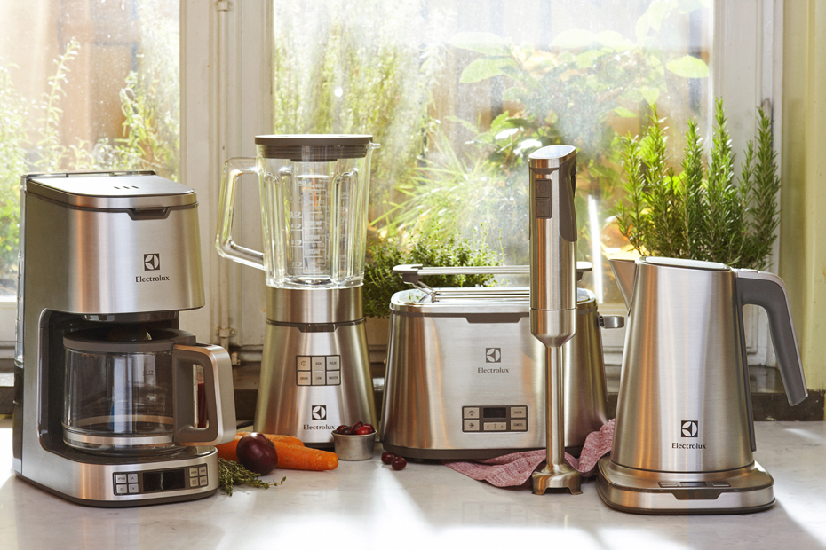 Electrolux_Expressionist_collection_Family 930