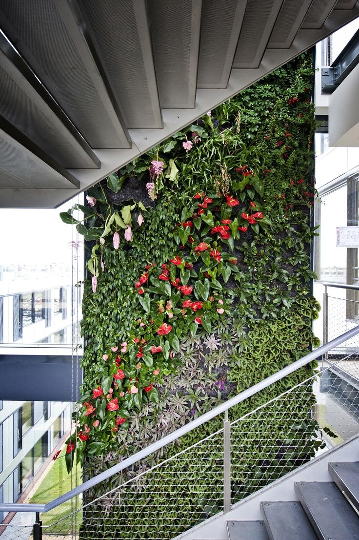 Schneider Electric : bâtiment ecolo BBC Green Office à Meudon ©William Beaucardet / Andia