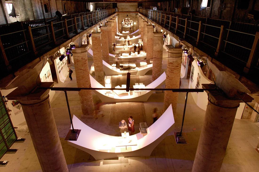 eur-erco-2004-venice-architecture-biennial-image-1-3