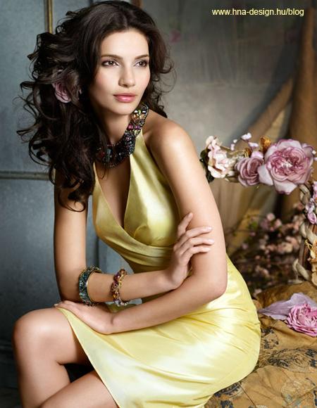 gyönyörű elegáns alkalmi ruha